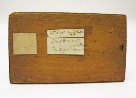 Camera box lid