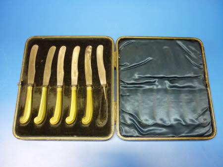 Tea knife