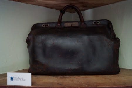 Philip Webb's, Gladstone bag