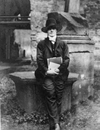 Edward Henry Gordon Craig (1872-1966) in 1905.