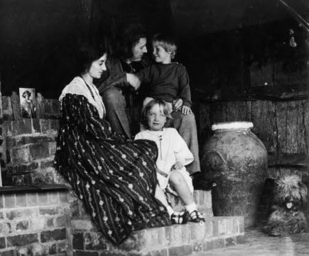 Edward Henry Gordon Craig (Stevenage 1872 - Vence 1966), Elena Meo (1879-1957), Ellen 'Nelly' ...