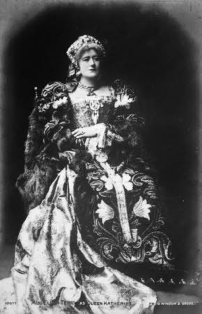 Miss Ellen Terry (1847-1928) as Queen Katherine in 'Henry V' by William Shakespeare.