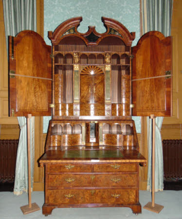 'The Brownlow Bureau Cabinet'