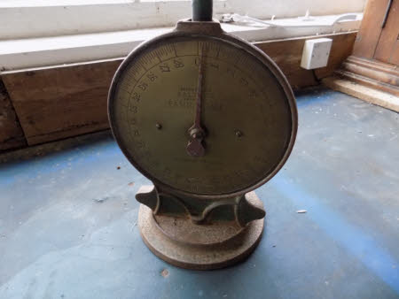 Weighing scales base