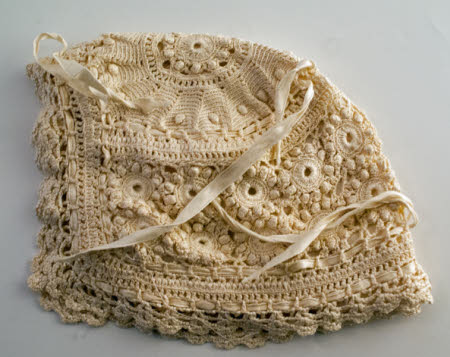 Baby's bonnet