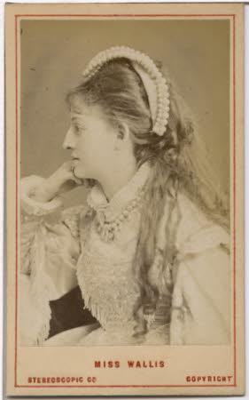 Miss Wallis, actress