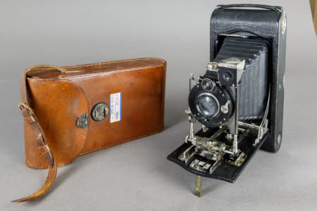 No 3A Special Kodak Model A Folding Rollfilm camera with brown leather case.
