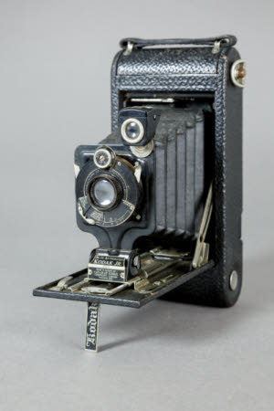 Kodak No.1A Autographic model A folding rollfilm camera.