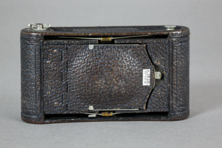 A No.1 Folding Pocket Kodak folding rollfilm camera, Model E