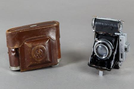 Super Baldina Folding camera with leather case