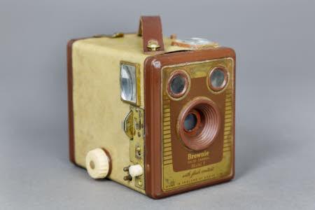 Kodak Brownie Six-20 Model F box camera