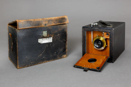 Kodak No 2. Bulls-eye Special box camera in leather case