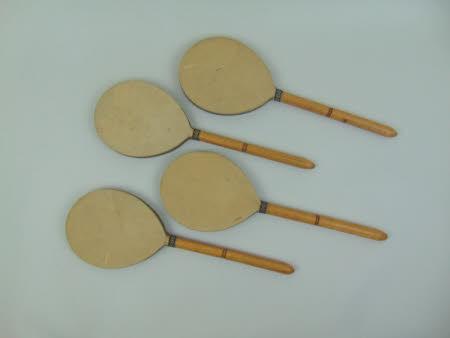 Battledore racket