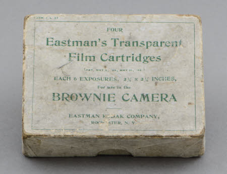 Box (empty) for four Eastman's Transparent Film Cartridges for use in the Brownie Camera.