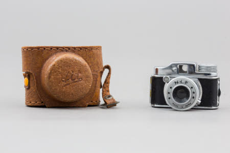 'Hit' sub-miniature camera in leather case.