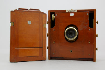 Instantograph folding field camera, 1897