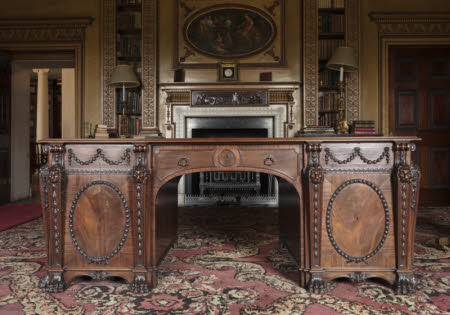 Luxury The Nostell Priory large mahogany library table of very fine wood © National Trust Trending - Amazing finewood Amazing